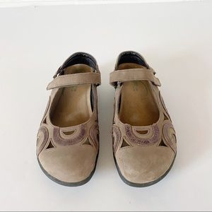 NAOT Rongo Tan Leather Comfort Sandals Sz 9.5